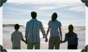 family-beach-photocorners